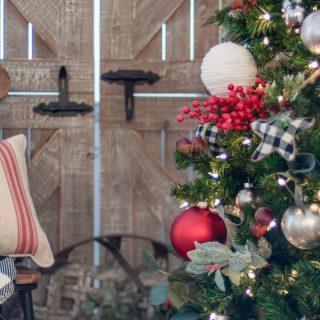 20 DIY Farmhouse Christmas Decorations