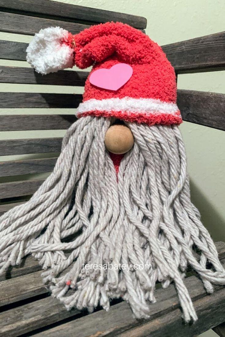 How to make a DIY Mop Gnome