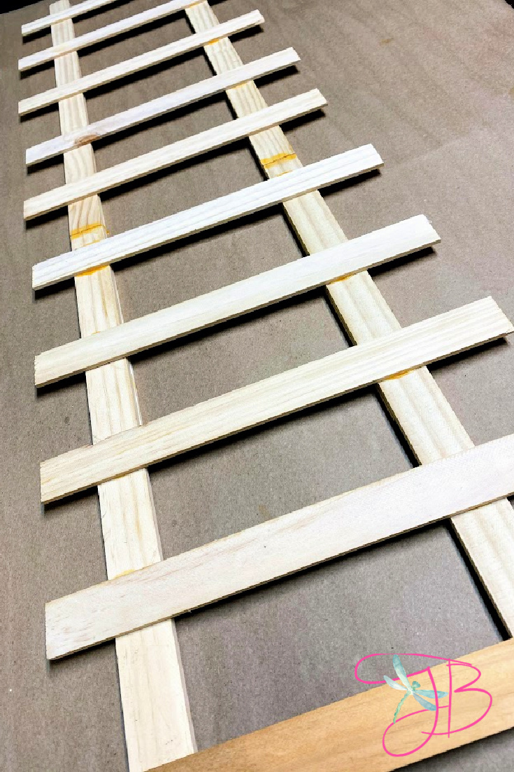 Dollar-Tree-DIY-Christmas-Elf-Ladder-2