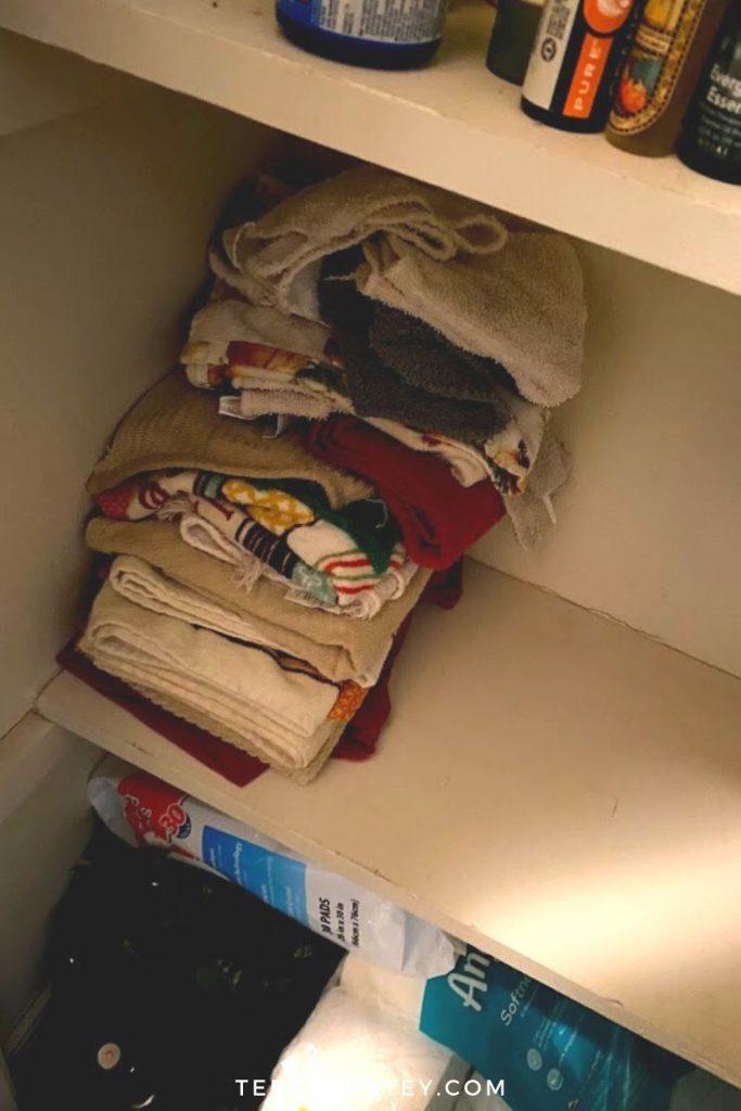 DIY Dollar Tree Linen Closet Organization